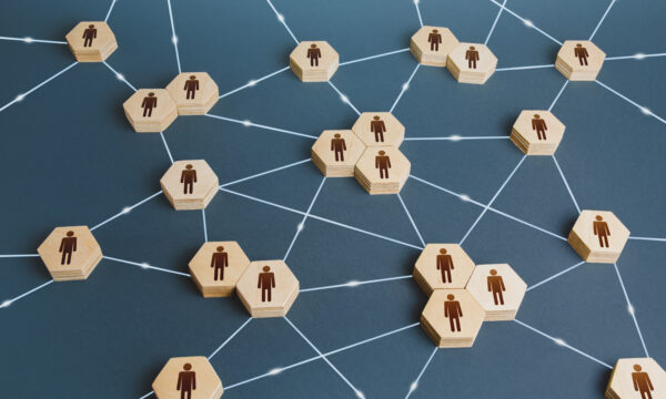 Demystifying Trends Using Social Network Analysis